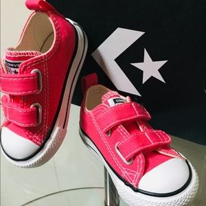 Converse Kids Chuck Taylor All Star 2V Shoes